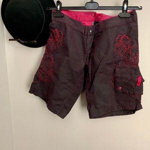 New Oakley shorts size 4